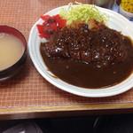 ふくよし - カツカレー普通盛り(650円)。