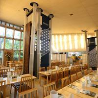 楠公レストハウス - 300席ある『江戸』をイメージした店内です。