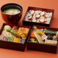 楠公レストハウス - 江戸の味を再現した『江戸エコ行楽重(参の重)』1700円。要予約2日前までに。