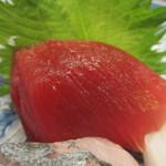 旬喜酒楽 はる田 - インドマグロの赤身アップ