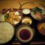 2676677 - 和食定食(天麩羅、刺身、御飯、香の物、味噌汁)(1,100円)