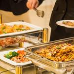ザ マグナス 東京 -  料理は旬と鮮度を大切に。旬の素材を一流シェフが一流の腕でご提供。着席or立食ビュッフェスタイルにてご利用いただけます。