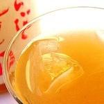 koreAn diNing GOMAmura - 鶯宿梅の果肉をぜいたくに使い飽きのこない飲み口の超本格派梅酒!! 蜂蜜の甘さがちょうどよいとろ~りフルーティーな梅酒。