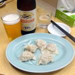 Gyouzakan - 冬瓜(水)420円、瓶ビール530円
