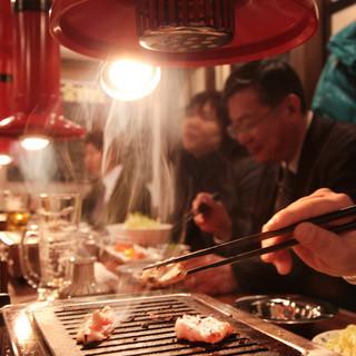 カウンターで、お一人様焼肉も大人気です!