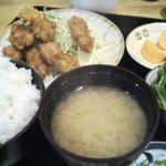 キッチン・カフェ ばる - 牡蠣フライ定食 850円