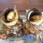 網船納屋 - 料理写真:サザエの壺焼き(800円)
