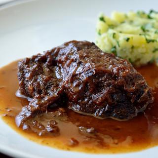 シェフ手作り本格イタリア料理をリーズナブルな価格でご提供!