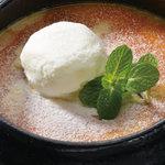 安納芋の濃厚ブリュレとバニラアイス