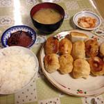 ホワイト餃子 - 10個定食796円