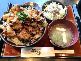 豚郎 伏見店 - カルビ丼特盛