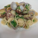 ラ アーニー マリス - 浅蜊と菜花とサルディーニャ産ボッタルガのオレキエッテ