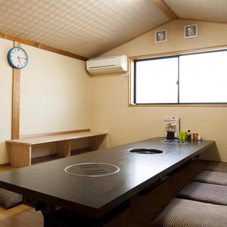 ゆったりくつろげるお座敷の個室もございます♪