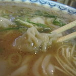元祖赤のれん 節ちゃんラーメン - 麺アップ