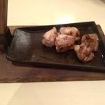 炭火焼鳥とりっこ - 地頭鶏の炭火焼き(980円)