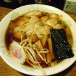 らーめん ヒグマ - ヒグマ 醤油ラーメン