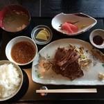水ひき亭 - ランチ 牛ステーキ御膳(¥1000)