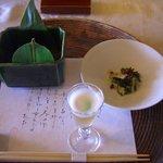 26874514 - 食前酒「梅酒シャーベット」と先付