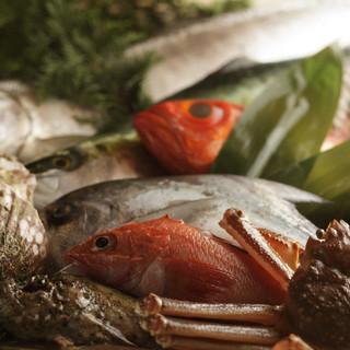 季節折々の新鮮魚介を堪能。
