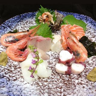 伊勢屋は新鮮な魚にこだわっています。
