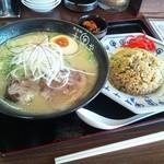 Daikokuyaramen - サービスランチ「半炒飯セット」鶏そば(醤油ラーメン)
