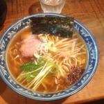 めん処 樹 - 醤油ラーメン650円