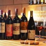 ZIG - 料理写真:ソムリエ厳選のワインを常時20種以上ご用意