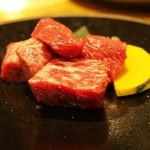 炭火焼肉 ばんり - モモ肉のわさび醤油