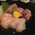 銀座あしべ - お寿司屋さんだけあって、お造りも美味しかった。