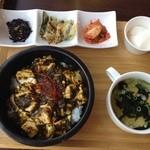 26903360 - 『激辛グリーン麻婆豆腐丼』セットです。