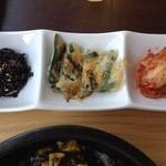 26903390 - キムチ、チヂミ、韓国海苔佃煮付き
