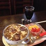 ジュリアン - カレードリア・サラダ・アイスコーヒー(¥880)