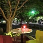 キハチ - 外苑ならではの静けさ @9pm