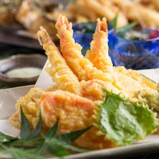 個室居酒屋 東京燻製劇場 - 大海老と季節野菜のてんぷら。さくさく♪