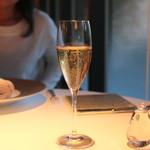 キュイジーヌ[s] ミッシェル・トロワグロ - Champagne Chartogne-Taillet Merfy Sainte Anne Brut