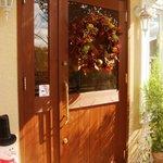 ドーノ - ドアにはクリスマスの飾り♪