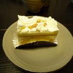 パティスリー フレジェ - 洋梨のケーキ