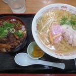 ラーメン幸雅 - 牛スジ丼セット900円