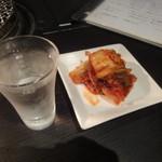 扇矢 - キムチ、冷酒