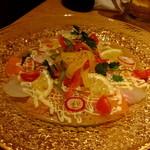 和食 たちばな - 鯛とスモークサーモンのカルパッチョ:880円