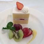 KKR ホテル大阪 - フレッシュケーキ