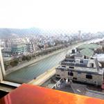 Sunny - 南側にて鴨川、先斗町の眺め。