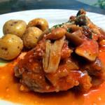 カリーノ - 桜島鶏もも肉のきのこの軽いトマト煮込み