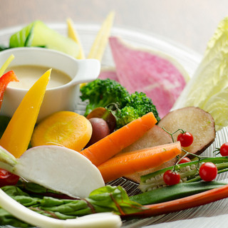 旬の食材をその日、その時の調理法でデザイン