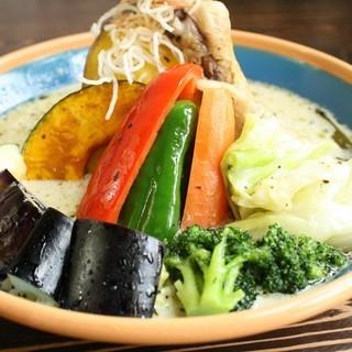 お野菜たりていますか?ヘルシーなアジアンランチも人気です