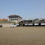 山田屋 - 山田屋が出している、千里浜の海の家