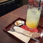 甘味茶寮 ほとり - ゆず茶ソーダ(550円)