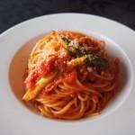 Risutorantetenkuu - アスパラとベーコンのトマトソースパスタ