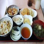 あすか軽食喫茶 - サザエ飯定食