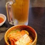 焼肉 充 - 先ずはビールと白菜キムチ